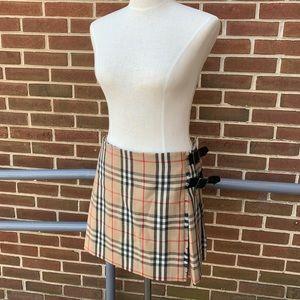 Burberry plaid kilt skirt